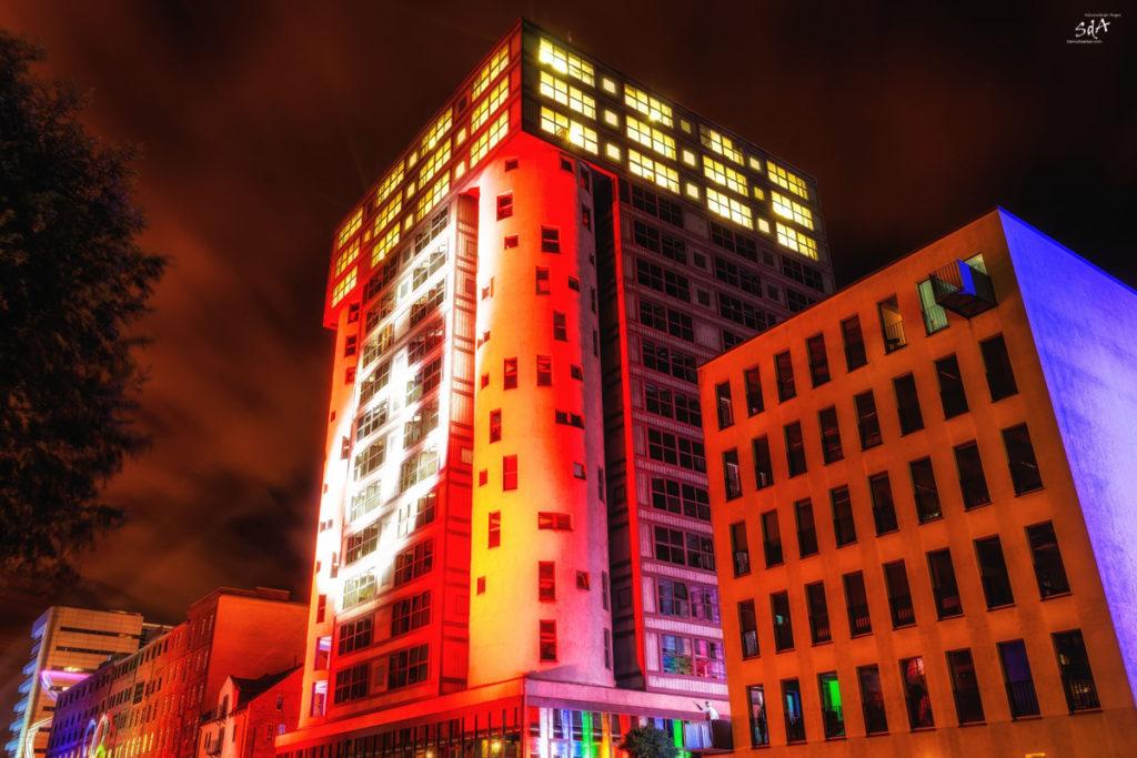 Lichtspiele. Ein wenig Farbe muss sein, Silo 16 beim Harburger LIchterfest, Danny Koerber, Sehnsucht der Augen, Licht, Farbe, Hamburg, Harburg, Lichtspiel