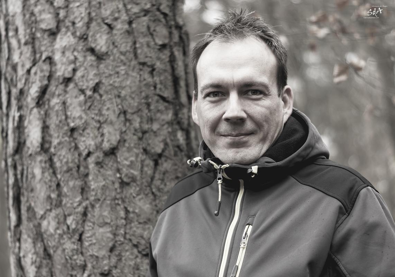 . Portrait fotografiert von Danny Koerber in Schwarz Weiß für Sehnsucht der Augen.