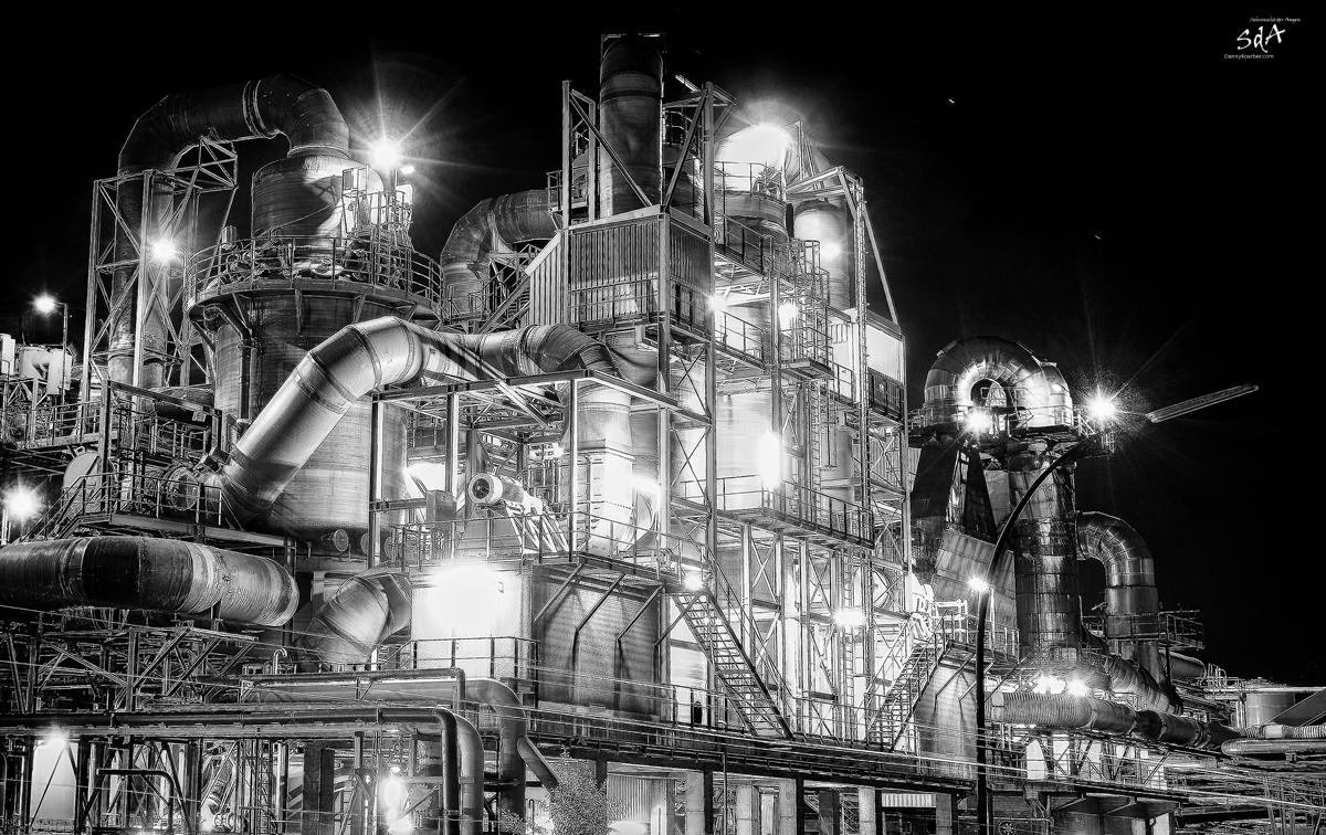Rohre kreuz und quer bei der Norddeutschen Affi, Industriearchitektur fotografiert von Danny Koerber für Sehnsucht der Augen.
