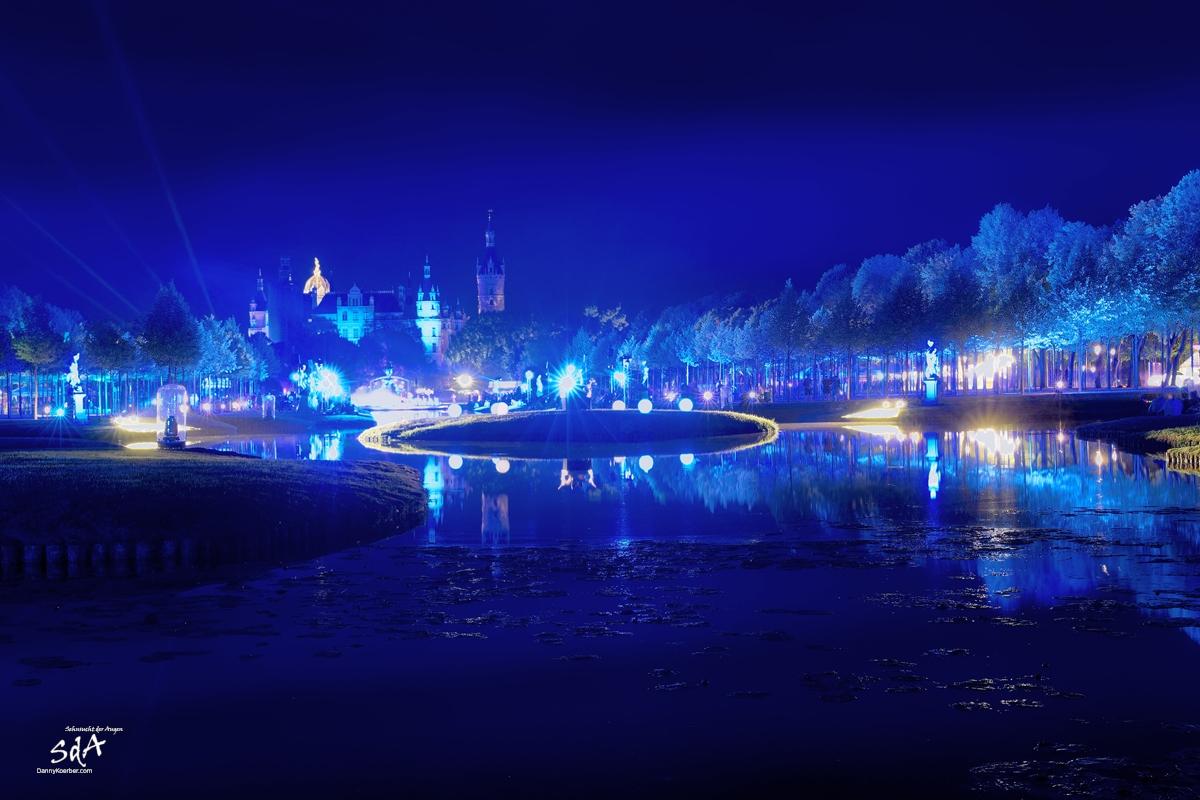 Schweriner Märchennacht in blauen Licht, fotografiert von Danny Koerber für Sehnsucht der Augen.