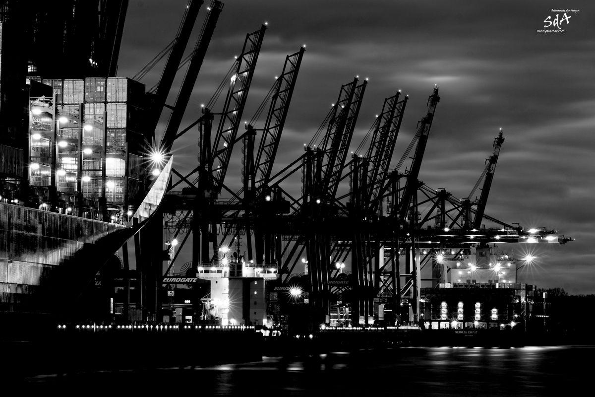 Waltershofer Container Kai, Industriearchitektur fotografiert von Danny Koerber für Sehnsucht der Augen.