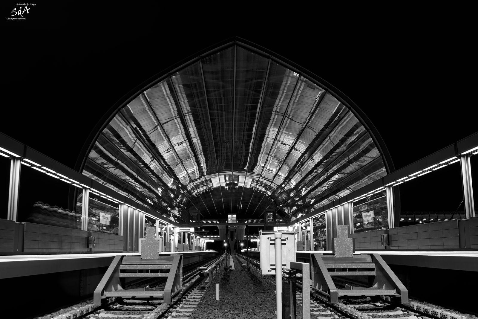 UBahnstation Elbbrücken Südseite, fotografiert von Danny Koerber für Architektur von Sehnsucht der Augen.