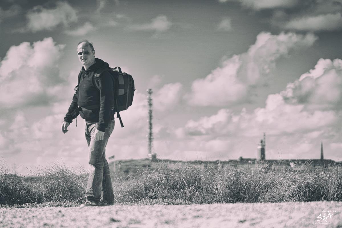 Fotograf auf der Helgoländer Düne, Portrait fotografiert von Danny Koerber für Sehnsucht der Augen.