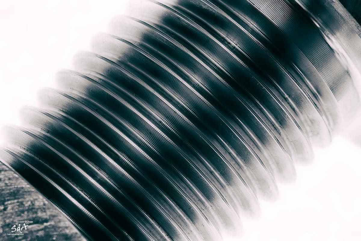 M40 Schraube, fotografiert von Danny Koerber für Sehnsucht der Augen in schwarz weiß